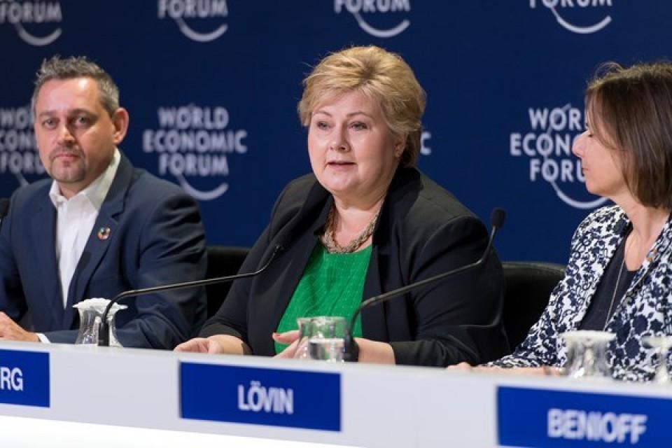Leder nytt globalt havpanel