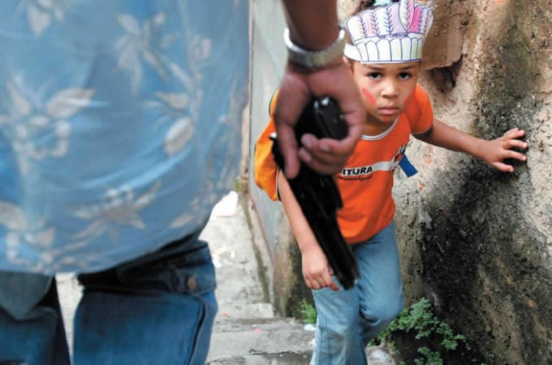 Trenger vaktbikkjer for bedre kontroll med våpenhandelen