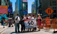 """Control Arms' kampanje """"Raceto50"""", med mål om å nå 50 stater som har ratifisert våpenhandelsavtalen. Da kan avtalen endelig tre i kraft etter 90 dager.  Foto: Control Arms / Flickr"""